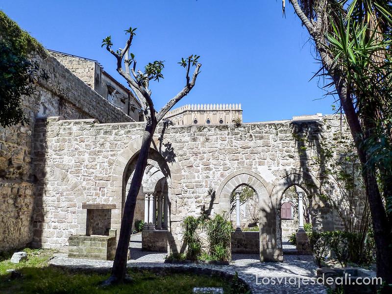 iglesias y mercados de Palermo
