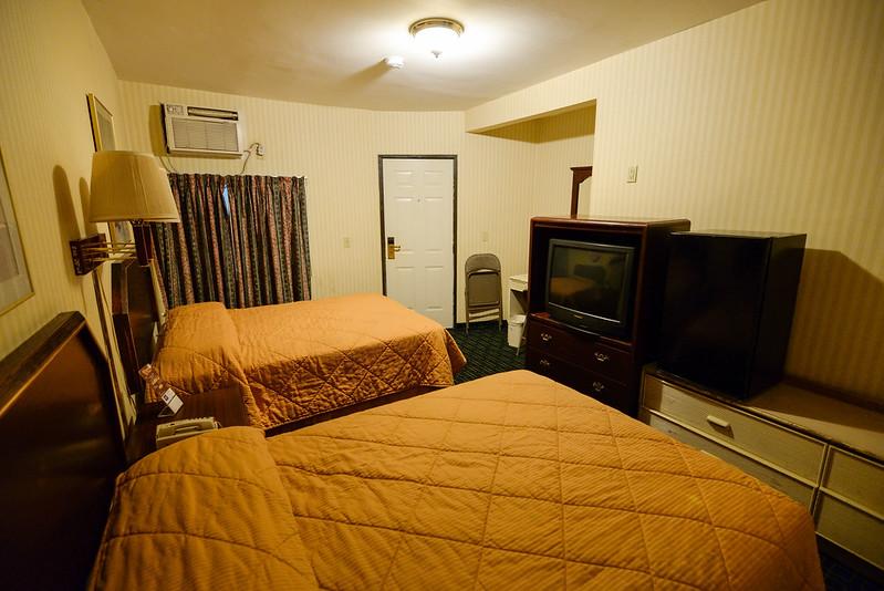 【兩床房】從浴室附近看向門口