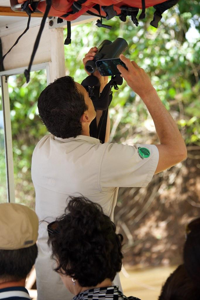 Jorge Takes Tourist Photos