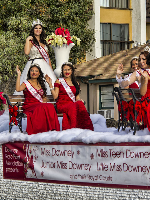 Downey Christmas Parade 2014 Downey princesses