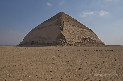 【写真】2014 世界一周 : 屈折ピラミッド、赤ピラミッド/2021-01-07/PICT7046