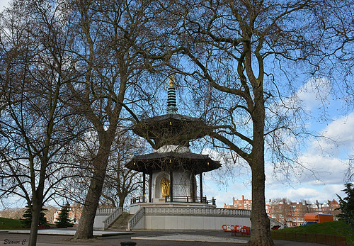 trees building london batterseapark peacetemple nikond7100 march2015