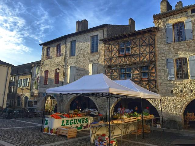 Plaza principal de Lauzerte (Tarn-et-Garonne, Francia)