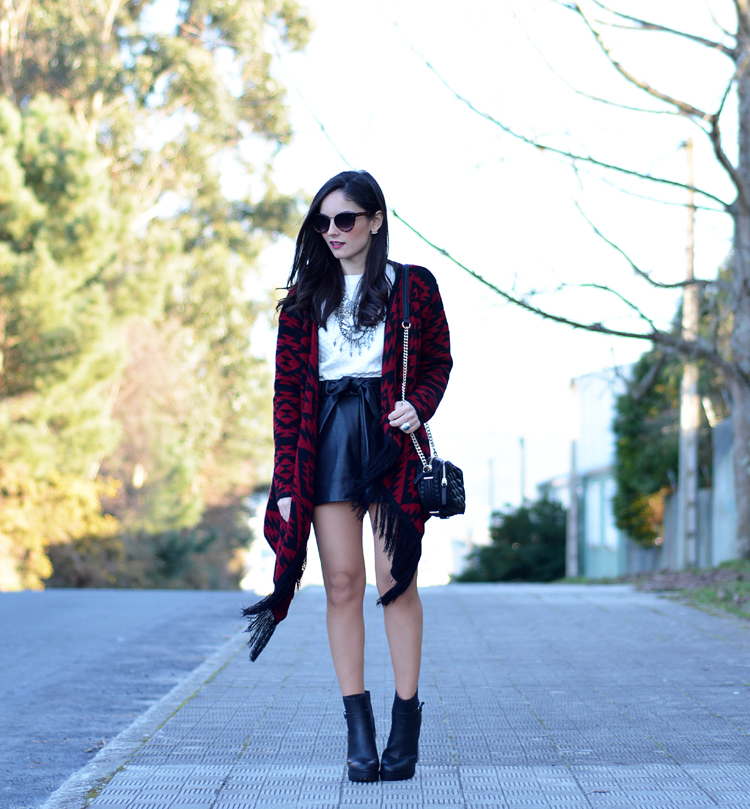 poncho_zara_pullandbear_boots_ootd_outfit_02