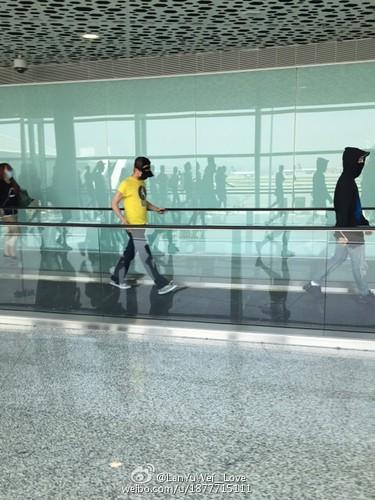more BIGBANG arrival Shenzhen 2015-08-07 (11)