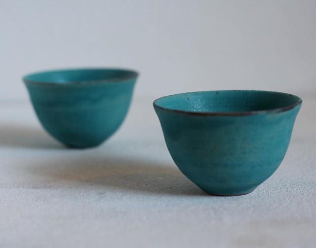 たま茶のシフォンケーキのお皿をつかわせて頂いている中田誠さん@macop2 が、いつもお世話になっているテノナル工藝百職さんにて個展中です。昨日、中国茶用に蒼いカップをいただきました。 - テノナル工藝百職 夏の企画展 中田誠 陶展 2016/8/6(土)-14(日) 作家在廊日 8/7(日)、14(日) 11:00-18:00 ◎最終日8/14(日)のみ17:00で終了 ※展示期間中は8/10(水)のみお休み http://hyakushoku.petit.cc/ - - 【たま茶夏のおやすみ】 臨時休