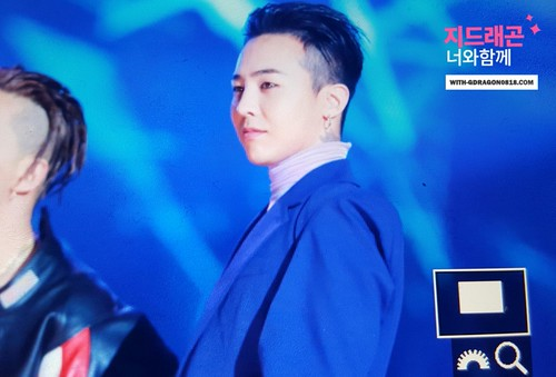 Big Bang - The 5th Gaon Char K-Pop Awards - 17feb2016 - With G-Dragon - 06