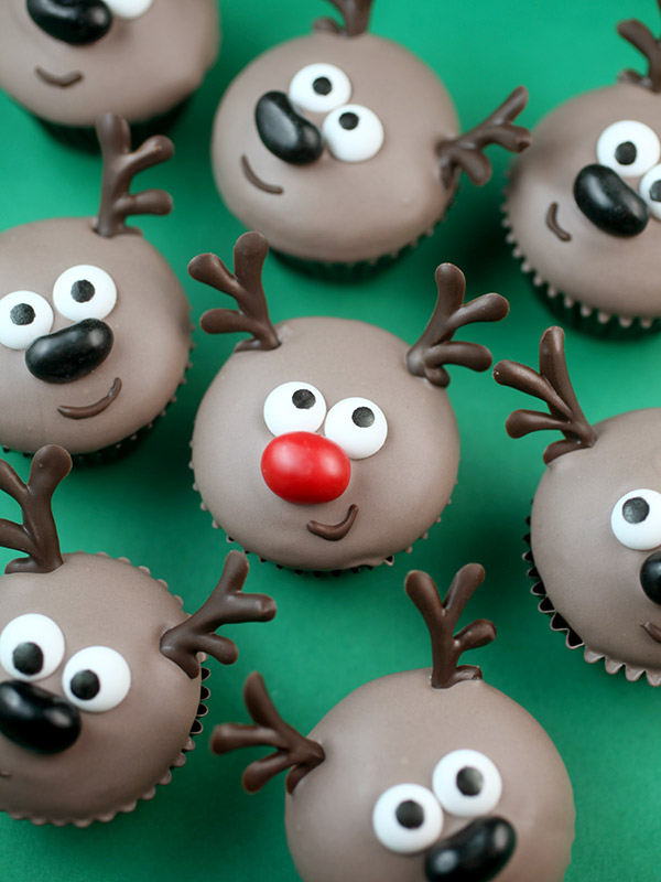 Mini Reindeer Cupcakes : easy christmas cupcake decorating ideas - www.pureclipart.com