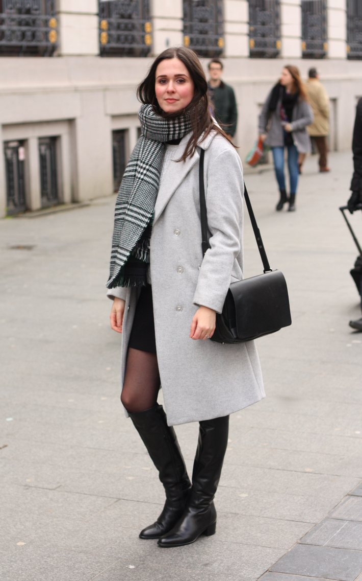 Outfit: turtle neck layers, black mini skirt