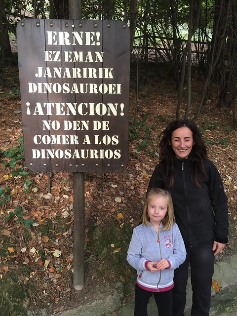 Attention! Don't feed the dinosaurs!