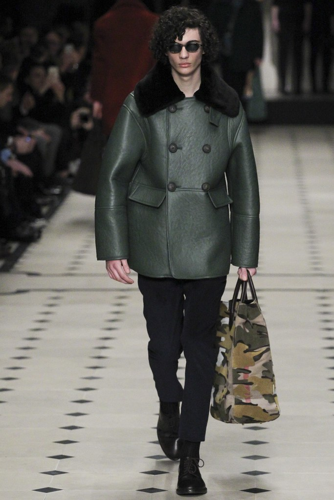 FW15 London Burberry Prorsum026_Piero Mendez(VOGUE)