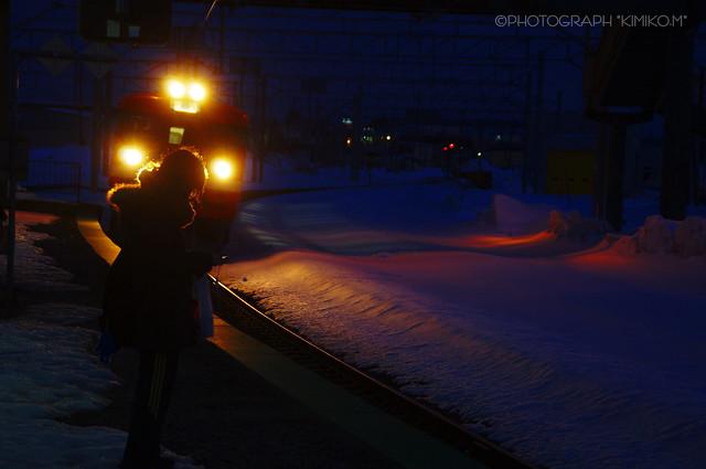 夕暮れ赤電車1