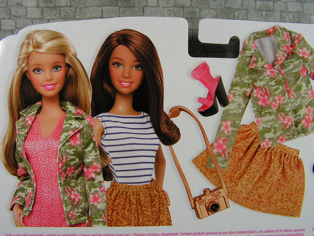 2014 Barbie Fashion CFY11 (3)