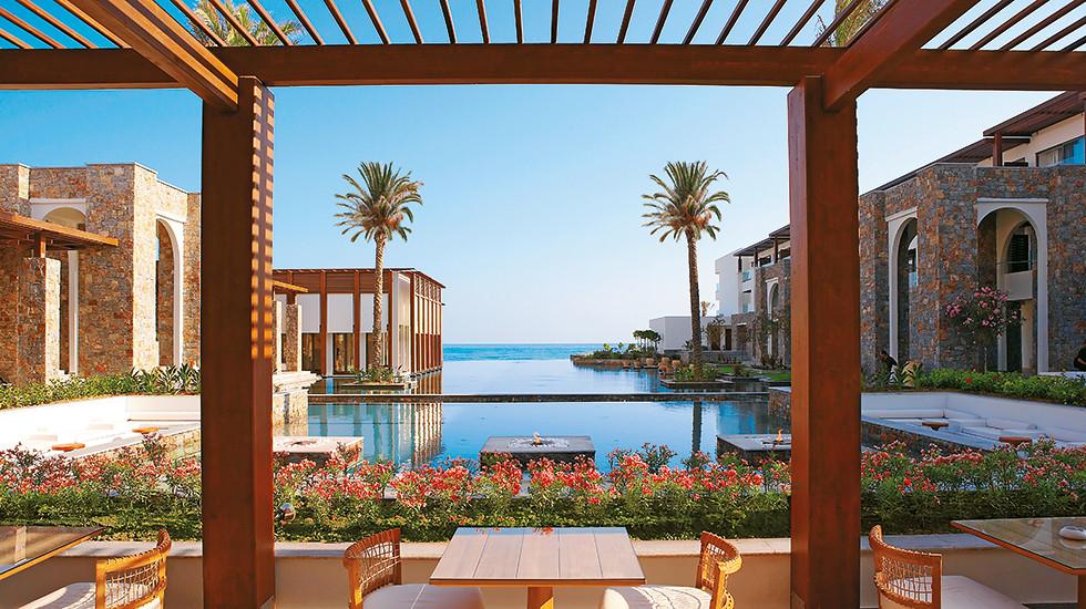 03-luxury-hotels-in-crete-amirandes-2361