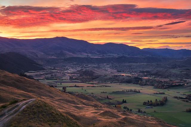 Sunrise in Queenstown New Zealand