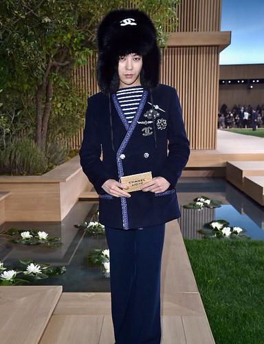 G-Dragon Chanel Haute Coutoure at Grand Palais Paris 2016-01-26 press (9)