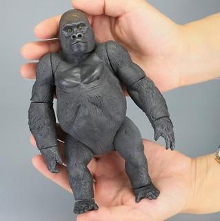 精緻、高可動的新時代軟膠玩具!  海洋堂 Sofubi Toy Box001 西部低地大猩猩
