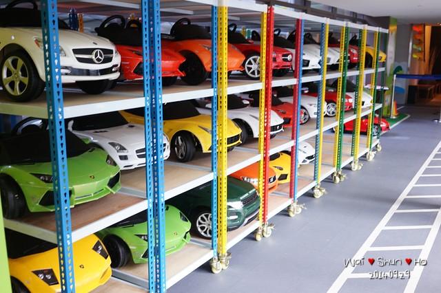 Kid's garage