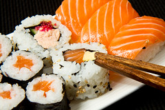 飯糰包鮭魚、中餐配水煮蛋,老外族4招聰明吃