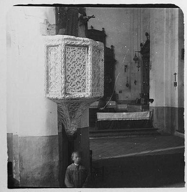 Púlpito de la iglesia de Santiago del Arrabal hacia 1900. Fotografía de Augusto T. Arcimis © Fototeca del IPCE, MECD. Signatura ARC-0700_P
