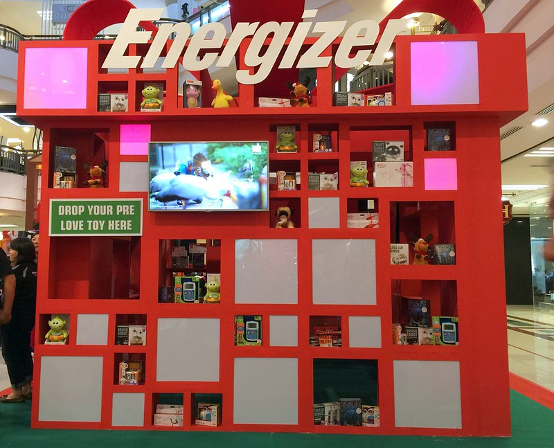 energizer - hamleys - powerofgiving - positiveenergy