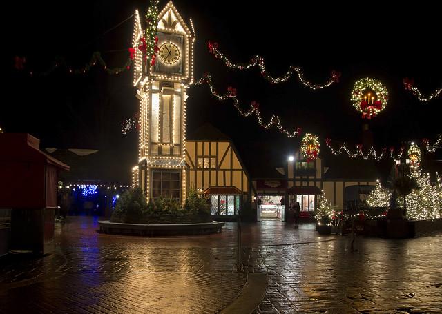 Busch Gardens Christmas Town Williamsburg Virginia Va England Britain Banbury Cross Old Country