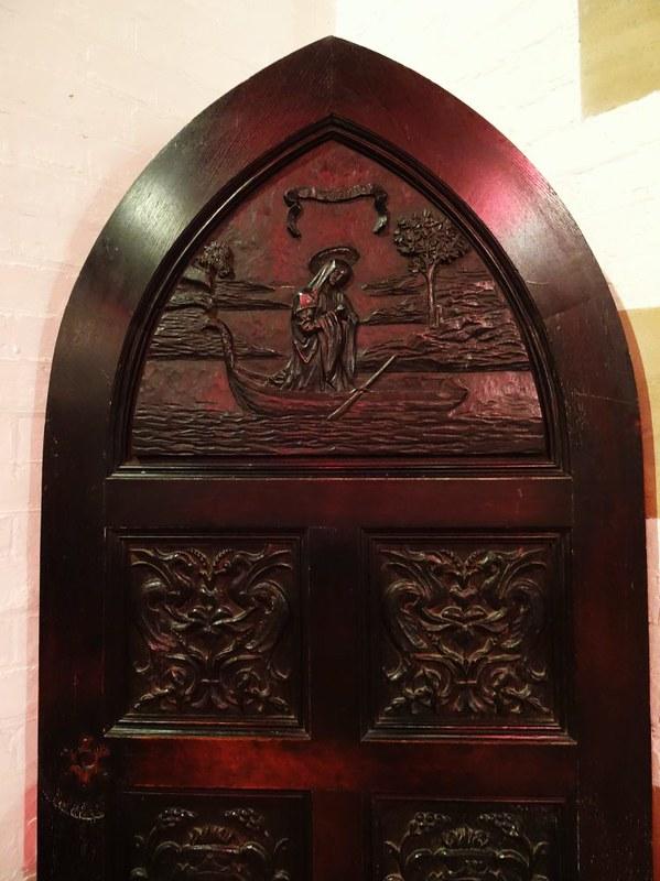 14-11-01-Alice-door