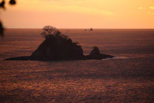 ocean sunset sea beach canon landscape island atardecer photography costarica playa viewpoint sl1 mogotes guanacaste danta x7 100d playadanta eos100d pacificonorte kissx7 eoskissx7 eosrebelsl1 jczuniga