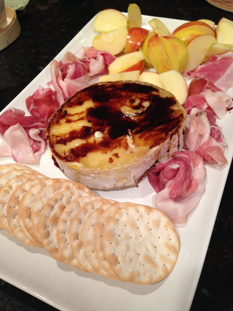 Mini crustless baked brie and balsamic for one