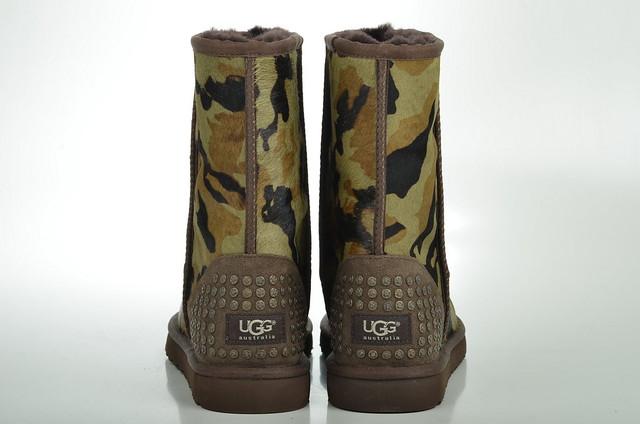 ugg australia rowland boot mit nieten lammfell gef ttert 1003389 camouflage gr n green 4. Black Bedroom Furniture Sets. Home Design Ideas