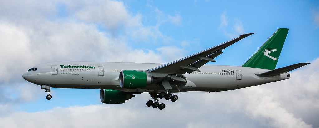 TURKMENISTAN AIRLINES BOEING 777 LANDING 27L LHR