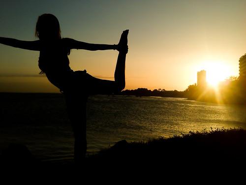 trip sunset sea vacation beach girl yoga backlight contraluz de atardecer peace venezuela free vista margarita backlit bella isla bahía guaraguao
