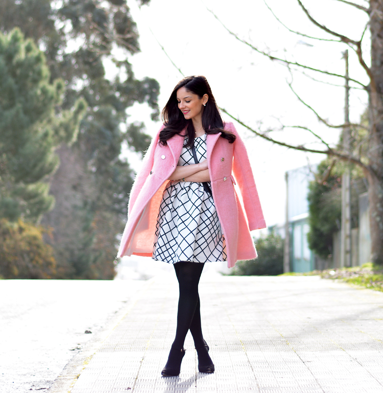 zara_pink_coat_ootd_outfit_stradivarius_tfnc_dress_01