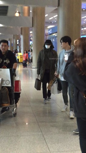 Big Bang - Incheon Airport - 28sep2015 - bunnyslipper - 01