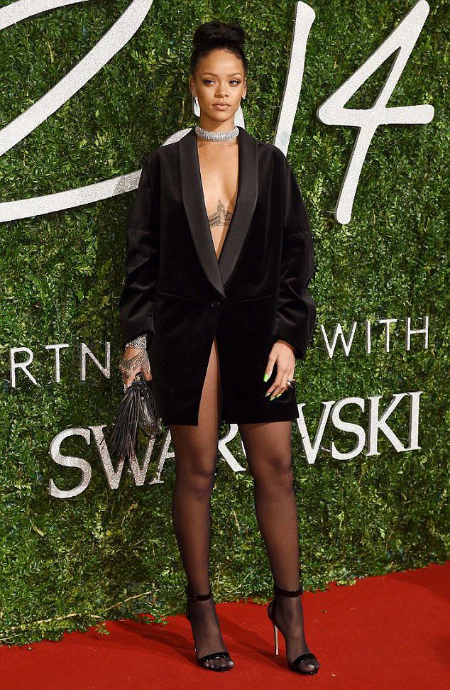 Rihanna-in-Stella-McCartney-velvet-blazer-dress, velvet blazer dress, velvet tux dress, tuxedo blazer dress