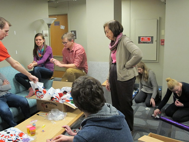 Honors Student Make Holiday Gift Bags for Children in Need