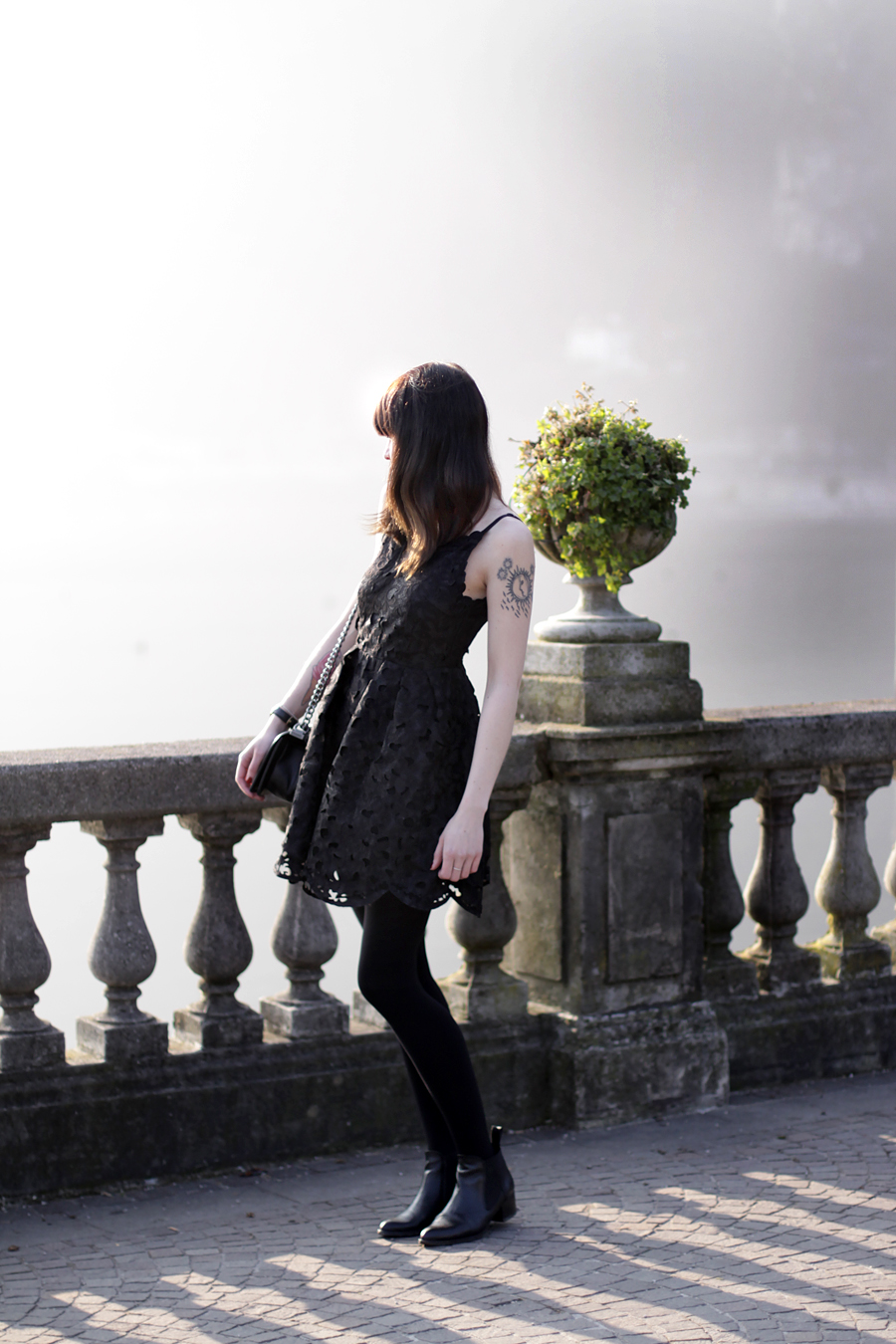 riva del garda garda lake lago di garda italia italy outfit chicwish dress lace black chanel le boy girl bangs brunette travel travelblogger fashionblogger outfit ootd lookbook fashion girl german ricarda schernus blog blogger hannover berlin 1
