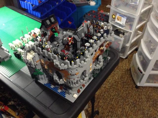Jared's Castle 15780801445_a4f90af76e_z