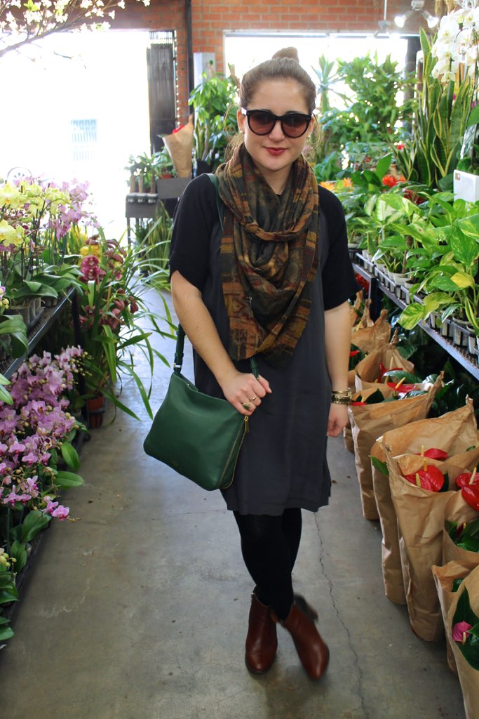 madewell shift dress + vintage scarf + green fossil bag