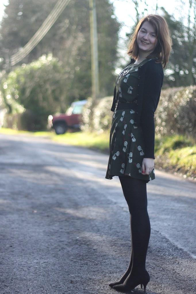 Khaki dress with tights