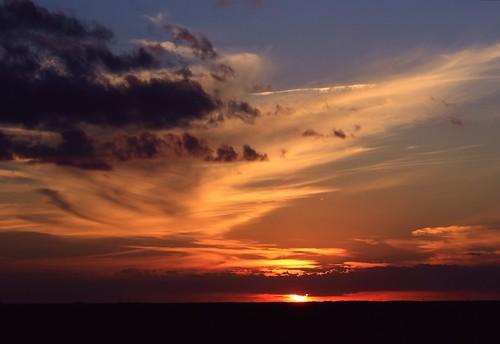 sunset nature beauty landscape colorful unitedstates florida hometown horizon dramatic cloudscape floridaeverglades southflorida walktheline cloudline hometownsunset coralspringsflorida