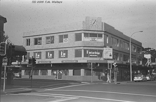 Old building at Crown St/Corrimal St, Wollongong (1946 expired Kodak Fluorographic 35mm film)