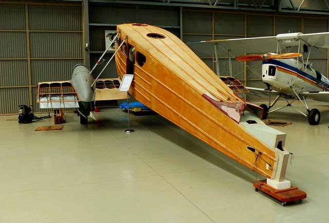 De Havilland DH98 Restoration.