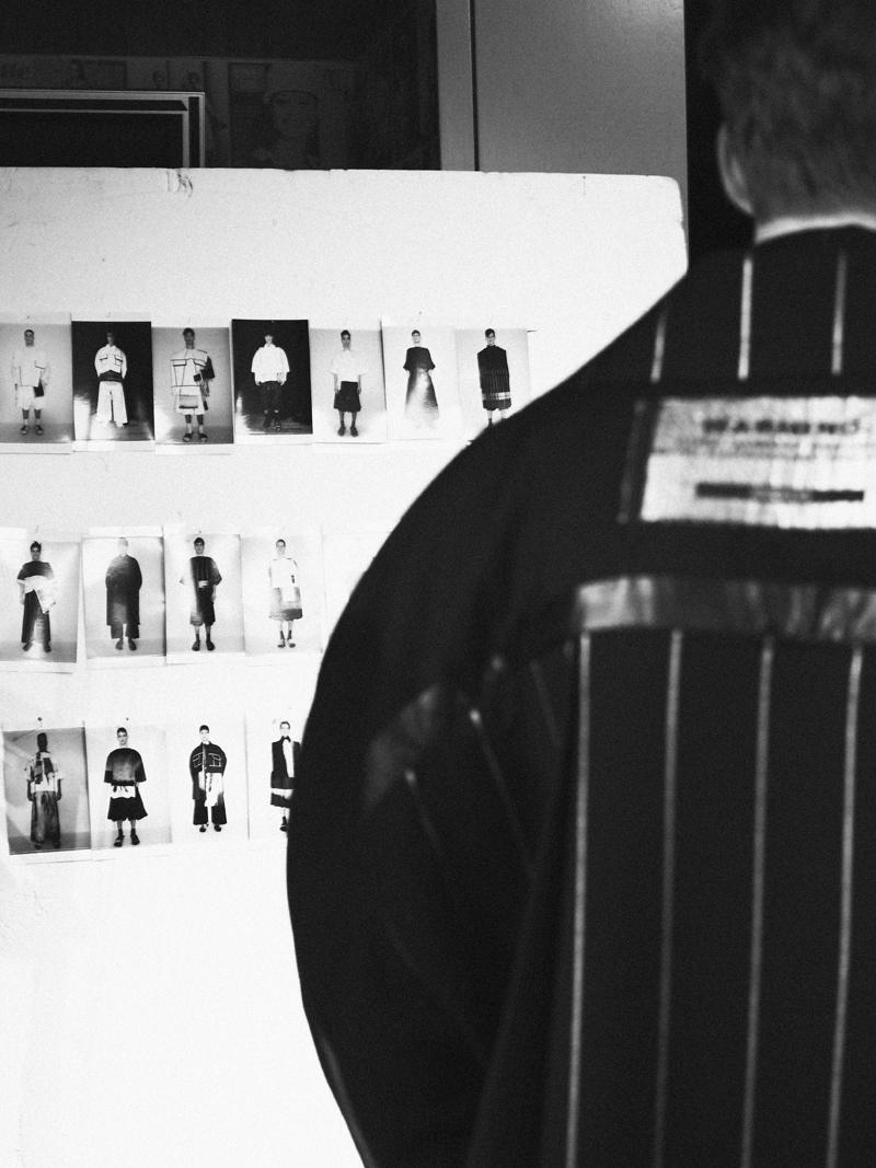 Mikkoputtonen_fashionblogger_london_H&M_design_award_2015_winner_ximon_lee_backstage_show13_web