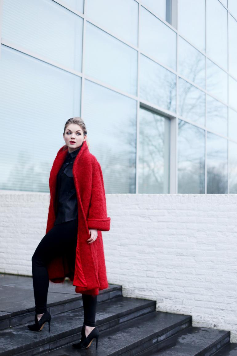 Rode mantel bershka
