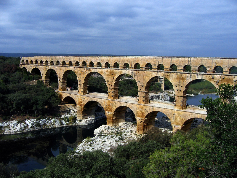 Side view of the Pont du Gard