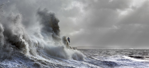 uk light sea panorama sun lighthouse seascape storm weather wales canon giant eos harbor surf flood harbour britain pano tide cymru cardiff wave spray seawall explore caerdydd 5d february tidal beams porthcawl 2014 mkiii bristolchannel explored wentloog stevegarrington porthcawllighthouse