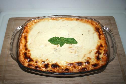 53 - Gyros kritharaki casserole with feta cream - Finished baking / Gyros-Kritharaki-Auflauf mit Fetacreme - Fertig gebacken