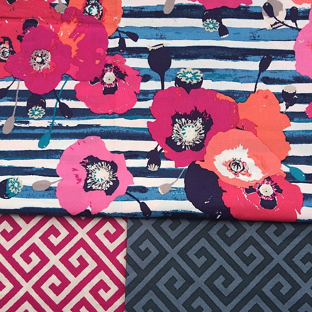 Good morning!!! Are you ready for the #skopelosfabric overgramming? Let's start with my favourite print- poppies on watercolor stripe ( called paparounes Crimson ) and Greeka blenders 💗 #KatarinaRoccella #artgalleryfabrics