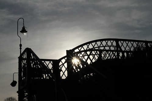 bridge silhouette sunrise footbridge railway hampshire alresford watercressline midhantsrailway